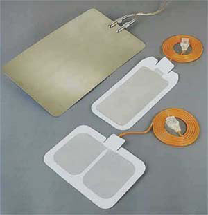 Pregelled and stainless steel patient plates